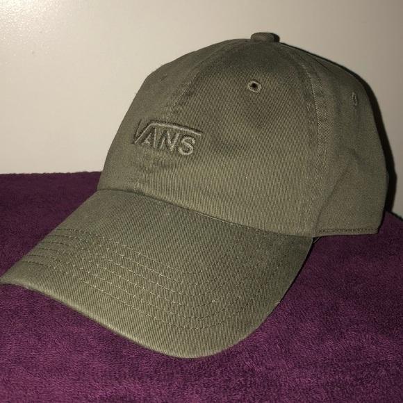 822abc46d0 Vans Baseball Hat. M 5b39b004aa8770a3e01aa239